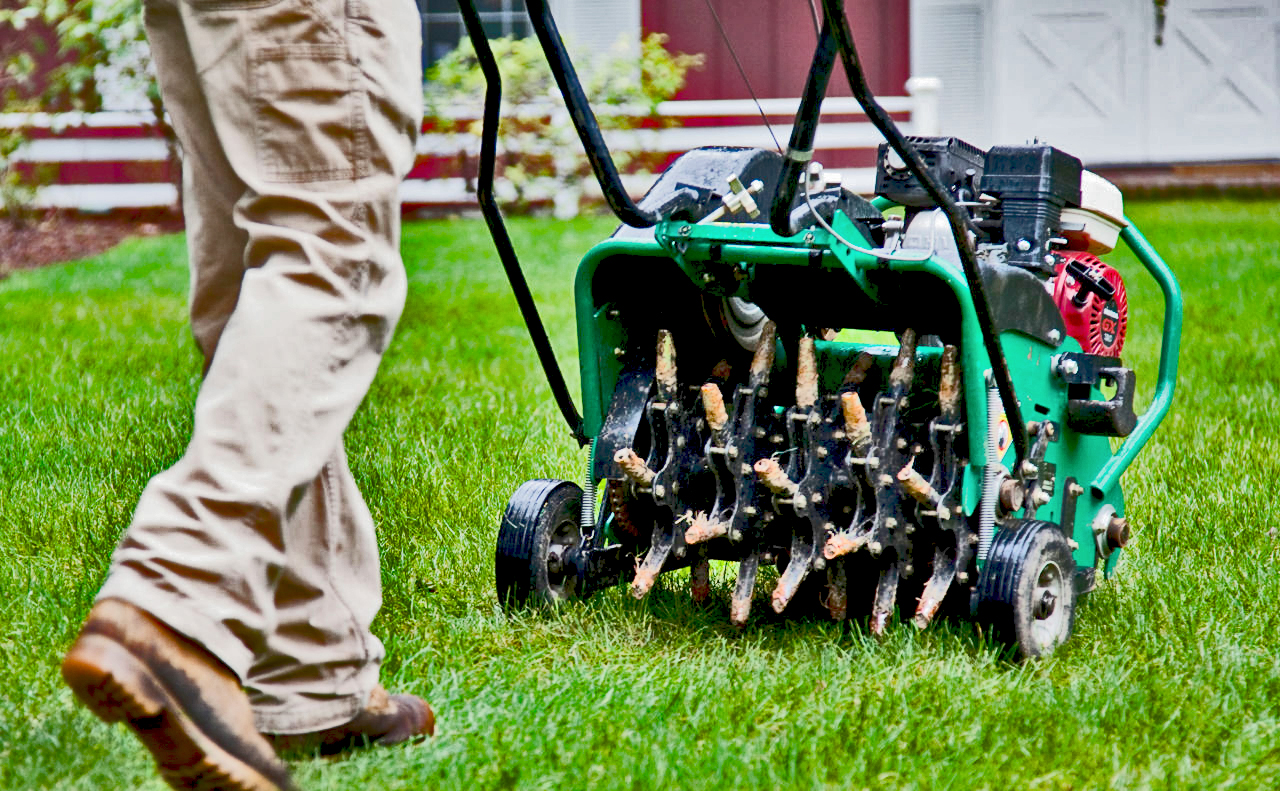 Lawn aeration by Superior Spray Service - Lakeland Florida